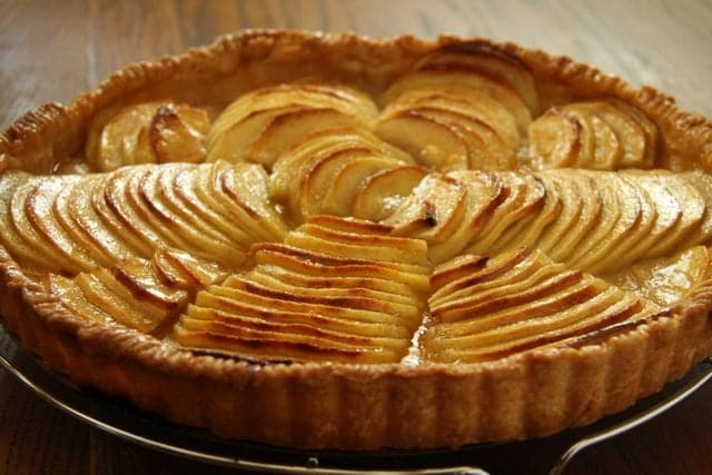 Make An Apple Tart Instead Of A Pie For Thanksgiving